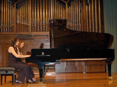 Pilar Abelló y Marta Vela. Concierto El dúo pianístico a cuatro manos