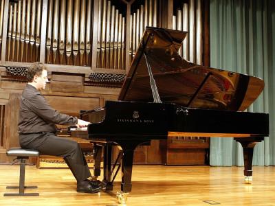 Diego Cayuelas. Concierto La danza en el piano