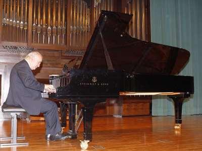 Guillermo González. Concierto La danza en el piano