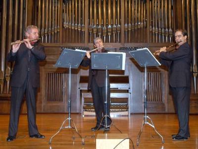 Antonio Arias Gago Gago, Miguel Ángel Angulo y José Oliver. Concierto La flauta en trío