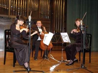 FATUM String Trio, Yulia Iglinova, Julia Malkova y Anton Gakkel. Concierto Tríos de cuerda
