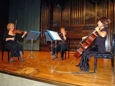 Trío de Arco Adagio, Carmen Tricás, Mª Teresa Gómez y Mª Luisa Parrilla. Concierto Tríos de cuerda
