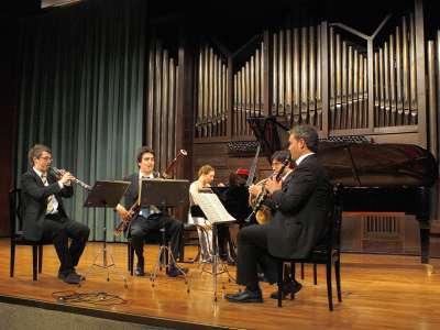 Vicent Alberola, Roberto Baltar, José Vicente Castelló, Guilhaume Santana y Laia Masramon. Concierto Quintetos de viento y metal