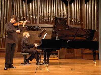 Alejandro Bustamante y José José Enrique Bagaría. Concierto Sarasate y otros virtuosos
