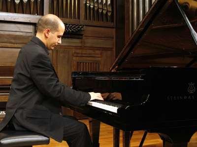 Alfonso Gómez. Concierto Preludios para piano