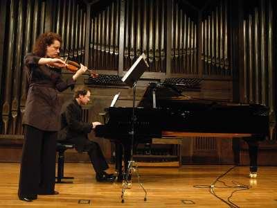 Ana Francisca Comesaña y Duncan Gifford. Concierto Sonatas para violín y piano