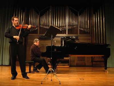 Alejandro Saiz y Juan Carlos Martínez. Concierto Sonatas para violín y piano