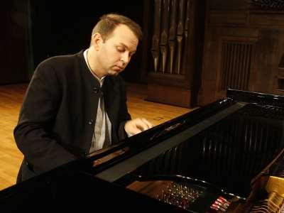 Eldar Nebolsin. Concierto Chopin y los Schumann: influencias cruzadas