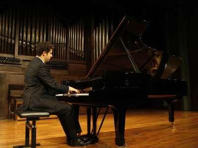 Javier Negrín. Concierto Chopin y los Schumann: influencias cruzadas