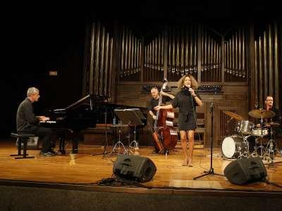 Doris Cales Quartet, Doris Cales, Germán Kucich, Reinier Elizarde y Juanma Barroso. Concierto Voces clásicas del jazz: Fitzgerald y Holiday