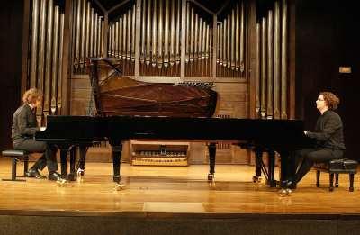 Luis del Valle, Víctor del Valle y Atlantis Piano Dúo. Concierto Mozart: integral de las sonatas para piano