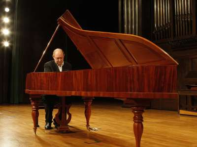 Arthur Schoonderwoerd. Concierto Mozart: integral de las sonatas para piano