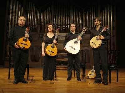 Cuarteto de bandurrias Grandío, Pedro Chamorro, Fernando Bustamante, Caridad Simón y José Manuel Velasco. Concierto Cuartetos exóticos