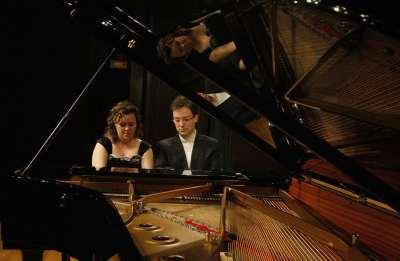 Nexus Piano Duo, Mireia Fornells Roselló y Joan Miquel Hernández Sagrera. Concierto Brahms transcribe a Brahms: integral de las sinfonías a cuatro manos