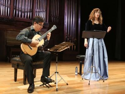Marta Almajano y Ernesto Mayhuire. Concierto Los orígenes - Tres siglos de boleros
