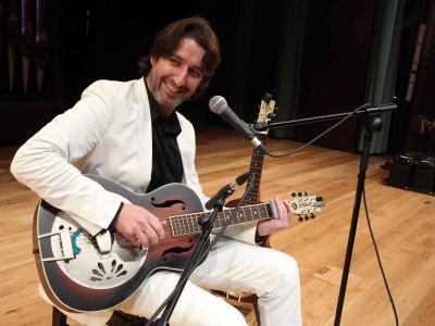 NULL. Concierto Guitarra del blues - Los mundos de la guitarra