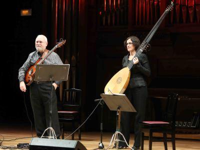 Juan Carlos Rivera y Consuelo Navas. Concierto Guitarra eléctrica (en el siglo XVII) - Los mundos de la guitarra