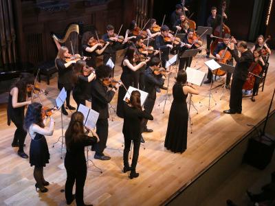 Orquesta de cuerda del Real Convervatorio Superior de Música de Madrid y Alan Kovacs. Concierto Recital de música de cámara