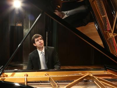 Mario Mora. Concierto Recital de piano
