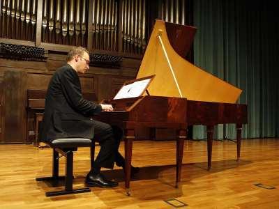 Bart Van Oort. Concierto Haydn: su obra para tecla en instrumentos históricos