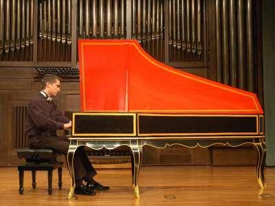Vital J. Frey. Concierto Haydn: su obra para tecla en instrumentos históricos