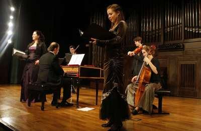 Contrasto Armónico y Marco Vitale. Concierto Stabat Mater dolorosa - Músicas para el buen morir