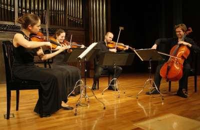 Cuarteto Voce, Cécile Roubin, Sarah Dayan, Guillaume Becker y Florian Frère. Concierto Réquiem (3) - Músicas para el buen morir