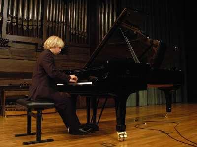 Marco Hilpo. Concierto Recital de piano