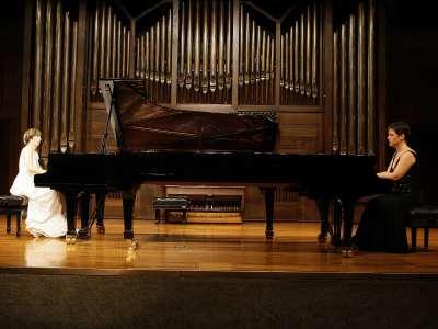 Dúo Aristizábal-Barandiarán, Itxaso Aristizábal y Esther Barandiarán. Concierto Recital de dúo de pianos