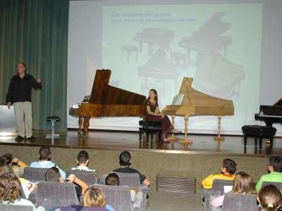 Polo Vallejo y Miriam Gómez-Morán. Recitales para jóvenes