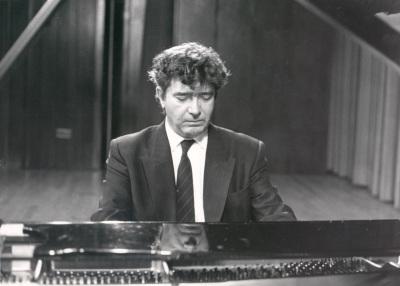 Antonio Baciero. Concierto Del pianoforte al piano