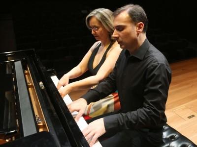 Piano duo Carles & Sofía. Concierto Sinfonías nº 3 y nº 4 - Las sinfonías de Beethoven en arreglos de cámara