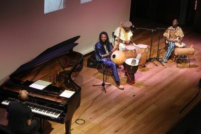 Conjunto de percusión africana y Alberto Rosado. Concierto Polirritmias. Ligeti africano - Popular y culta: la huella del folclore