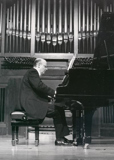 Pedro Espinosa. Concierto monográfico con obras de Agustín González Acilu - [Concierto especial 25]