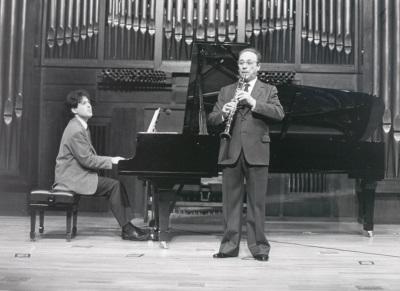 Máximo Muñoz y Diego Cayuelas. Concierto Alrededor del clarinete (1990)