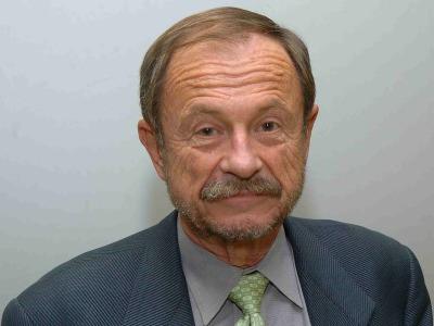Adam Przeworski. Profesor de seminario Curso 2005-06