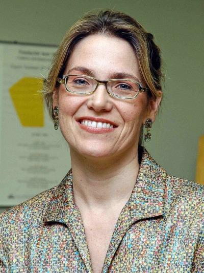 Elisabeth Hilbink. Profesora de seminario. Curso 2006-07