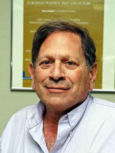 Neal Beck. Profesor de seminario. Curso 2006-07