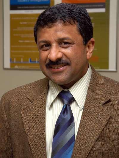 Anirudh Krishna. Profesor de seminario. Curso 2007-08