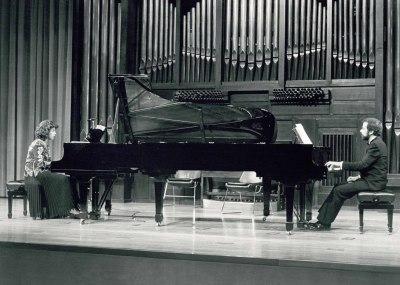 Carmen Deleito y Josep Colom. Concierto Debussy: obra completa para piano