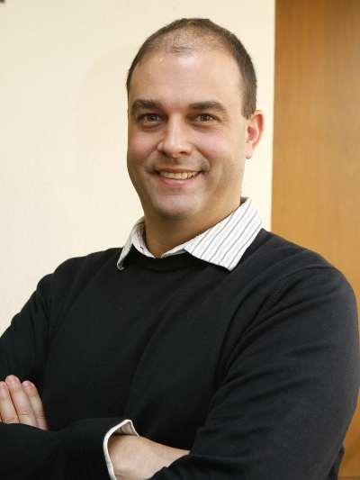 Joshua Tucker. Profesor de seminario. Curso 2009-2010
