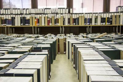 Traslado a la Biblioteca del fondo Memoria de becarios