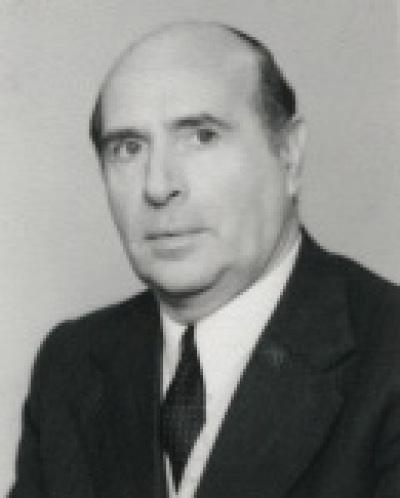 Jacinto do Prado Coelho. Actividades de Portugal. Homenaje a Camones
