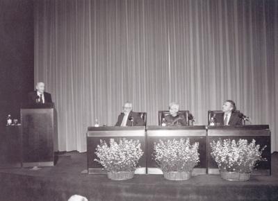 Carlos Bousoño, Antonio Gallego Gallego, Angelika Theile-Becker y Alejandro Duque Amusco. Homenaje a Carlos Bousoño en su 80º Aniversario
