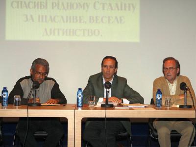 Desiderio Navarro, Manuel Fontán del Junco y Manuel Ramírez. Presentación del libro Obra de arte total Stalin, de Borís Groys