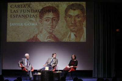 Rafael Atienza, Javier Gomá Lanzón y Teresa Sanjurjo. Presentación del libro Carta a las fundaciones españolas. Javier Gomá