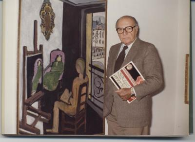 Pierre Matisse, en la exposición Henri Matisse. Oleos, dibujos, gouaches découpées, esculturas y libros