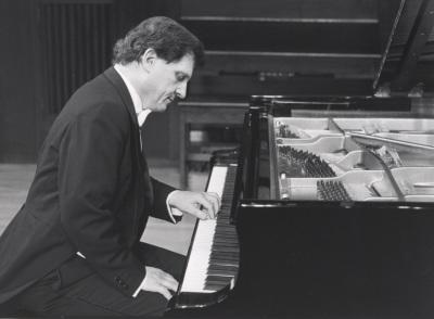 Joan Moll. Concierto Piano: música para la mano izquierda