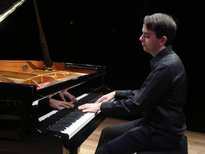 Félix Ardanaz. Recital de piano