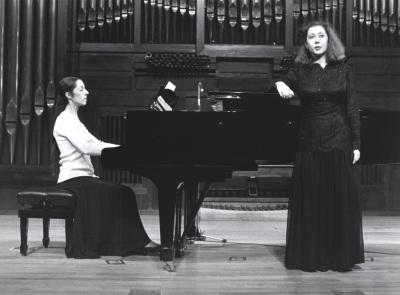 Juana Peñalver y Arantxa Armentia. Recital de canto y piano